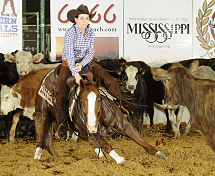Lauren Middleton and Sweet Reyvenge won the $15,000 Novice Non-Pro at the NCHA Eastern Nationals. Hart Photography.